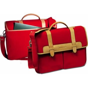 """Borsa  """"You Young Coveri"""" in nylon rosso, finiture in pregiato cuoio. Confezione in scatola Coveri."""